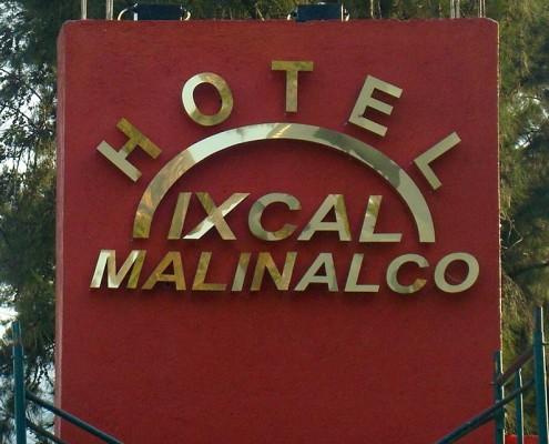 HOTEL IXCAL MALINALCO - Letrero armado tipo 3D en aluminio, anodizado dorado, terminado brillante.