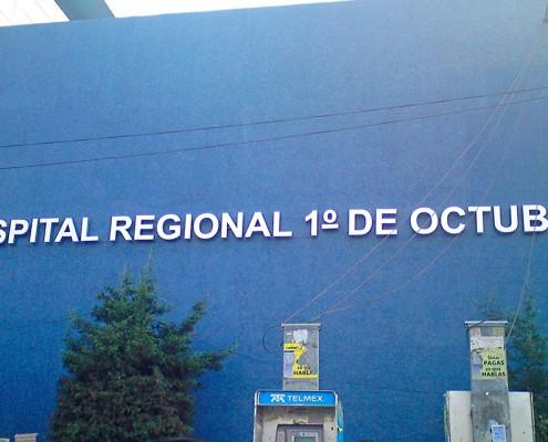 HOSPITAL REGIONAL 1° DE OCTUBRE - Letrero armado tipo 3D en aluminio natural, terminado mate.