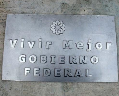 VIVIR MEJOR - Placa fundida