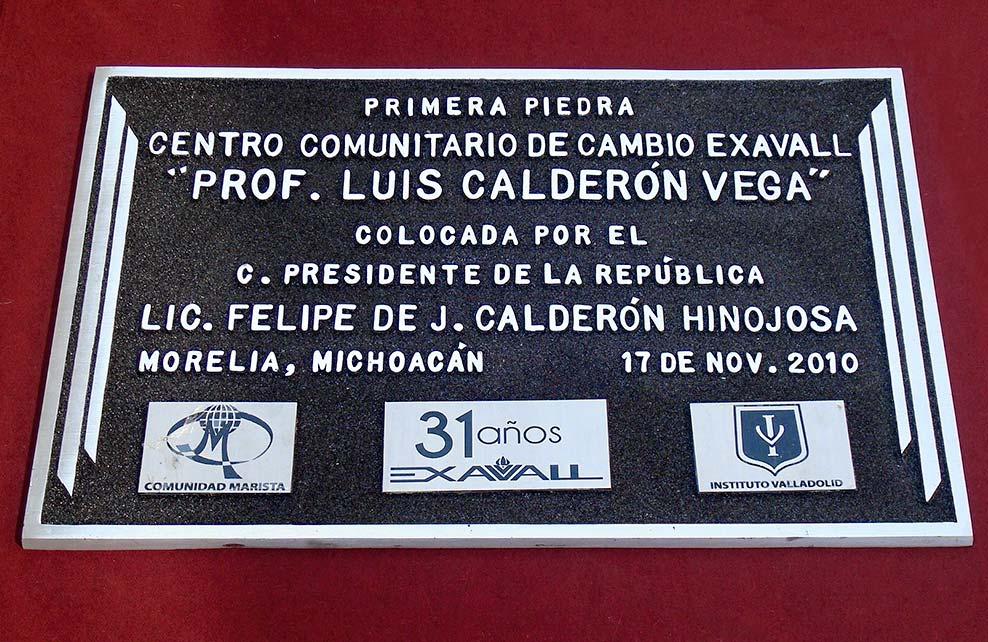 CENTRO COMUNITARIO DE CAMBIO EXAVALL - Placa fundida
