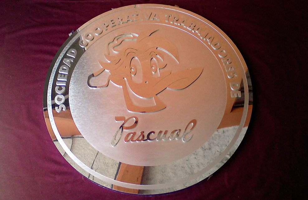 PATO PASCUAL - Logotipo calado