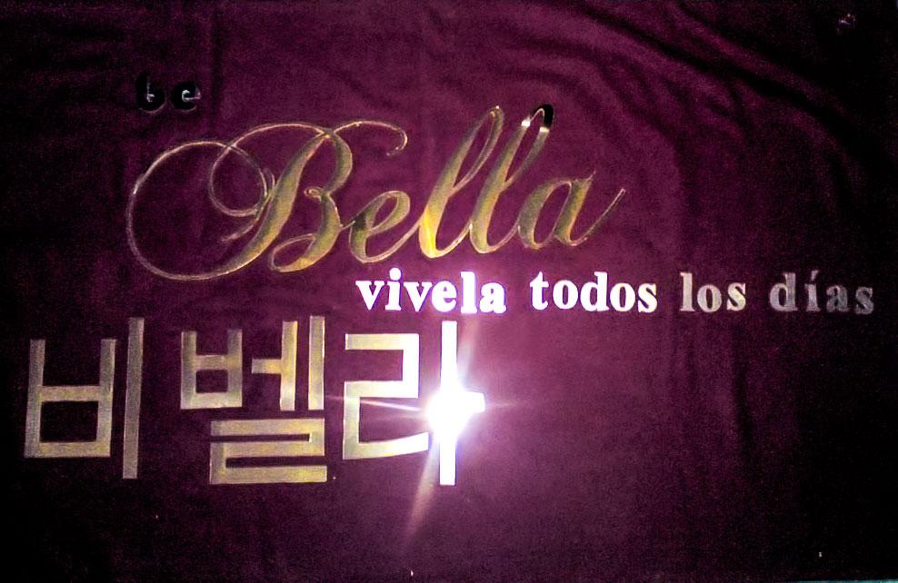 BE BELLA - Letrero calado