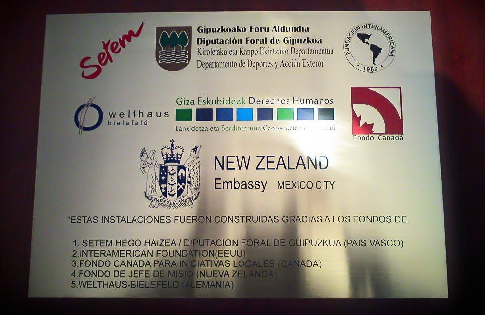 NEW ZELAND EMBASSY - Placa fotograbada 1